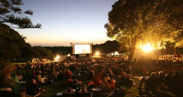 В городах Крыма этим летом будут работать кинотеатры под открытым небом