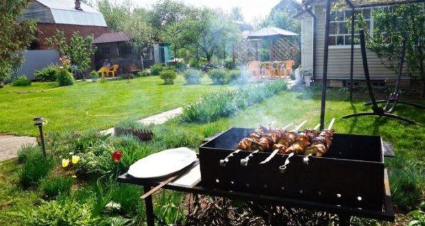 На своей даче можно заработать штраф, жаря шашлыки, сажая картошку и храня хлам