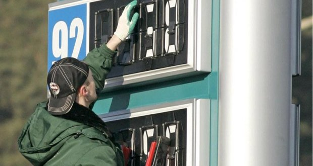 """По ценам на бензин Крым - в """"лидерах"""" среди регионов РФ. Наравне с Магаданом и Камчаткой"""