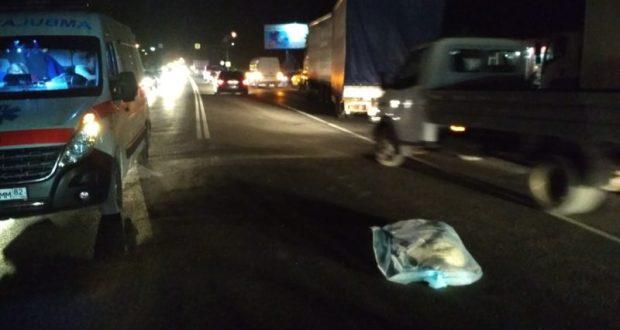 На выезде из Симферополя накануне поздно ночью насмерть сбили пешехода