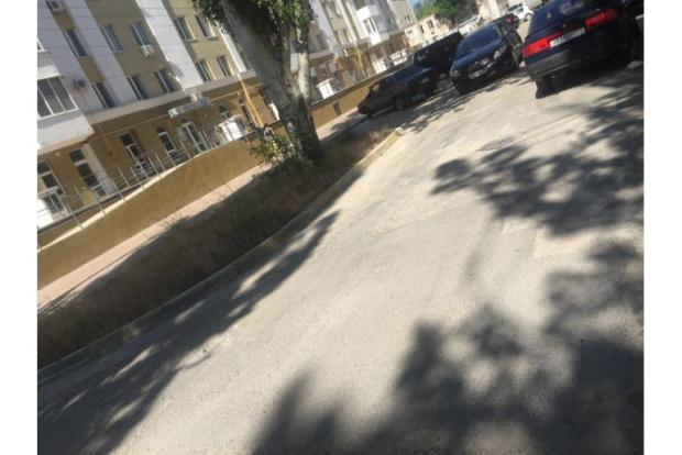 В Керчи по требованию прокуратуры отремонтирована дорога, ведущая к больнице
