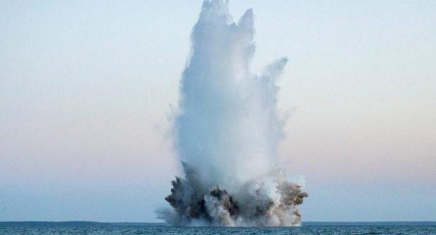 Взрывать донную мину, найденную в акватории Приморского пляжа в Ялте, будут в субботу