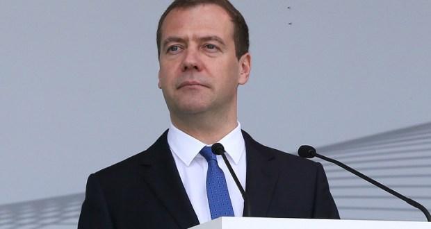 Дмитрий Медведев запустил «Комету» из Севастополя в Ялту