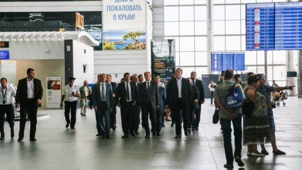 Секретарь Совета безопасности РФ Николай Патрушев провел совещание в аэропорту Симферополя