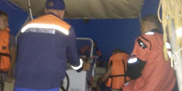 Севастопольские спасатели эвакуировали с дикого пляжа близ мыса Фиолент восемь туристов