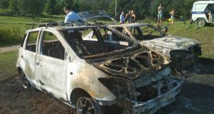 Под Севастополем неизвестные напали на палаточный детский лагерь и сожгли два автомобиля