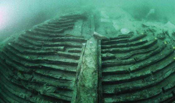 В Крыму у берегов Балаклавы нашли хорошо сохранившийся деревянный корабль