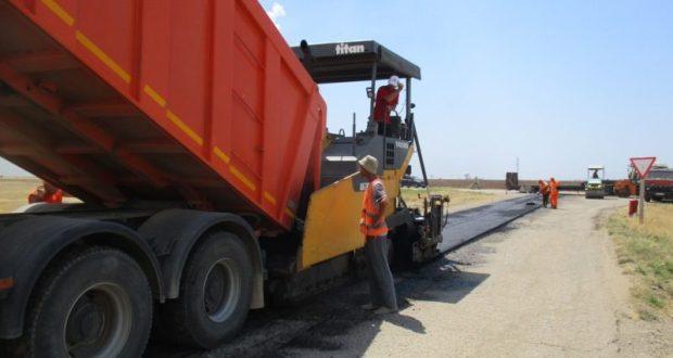 «Крымавтодор» отремонтировал участок трассы «Евпатория – Мирный» в районе села Абрикосовка