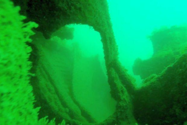 В районе устья реки Бельбек обнаружили затонувшее судно