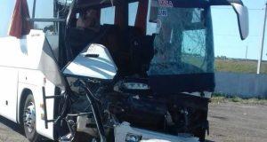 """На трассе """"Дон"""" автобус «Москва – Керчь – Феодосия» столкнулся с КАМАЗом. Погибла крымчанка"""