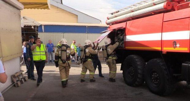 В Симферополе пожарные нагрянули на Центральный рынок. С проверкой