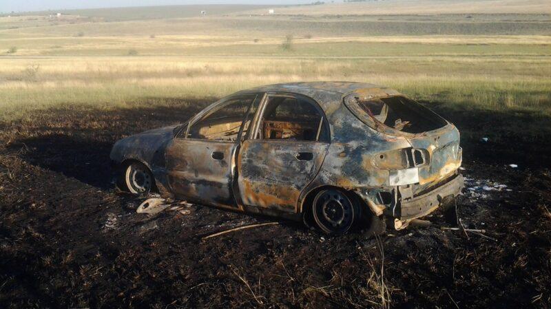 Под Симферополем дотла сгорел автомобиль