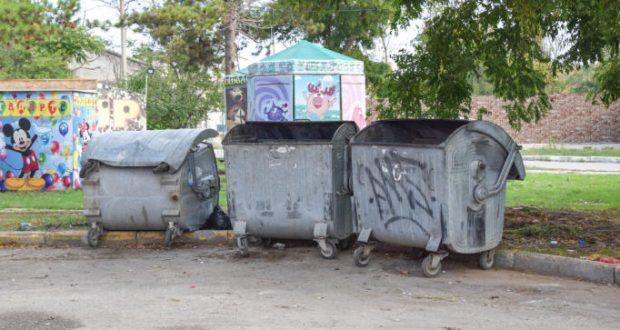 В Евпатории до конца года отремонтируют почти 70 контейнерных площадок для мусора