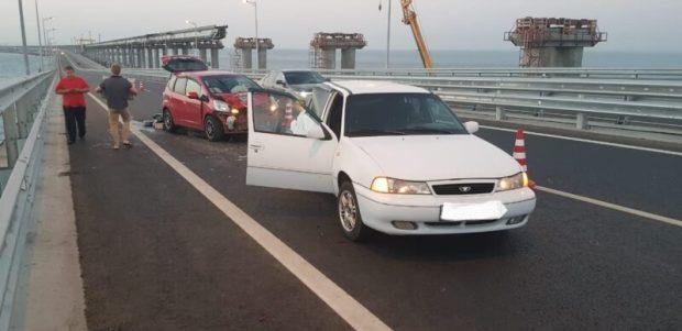 Очередное ДТП на Крымском мосту. Засмотрелись