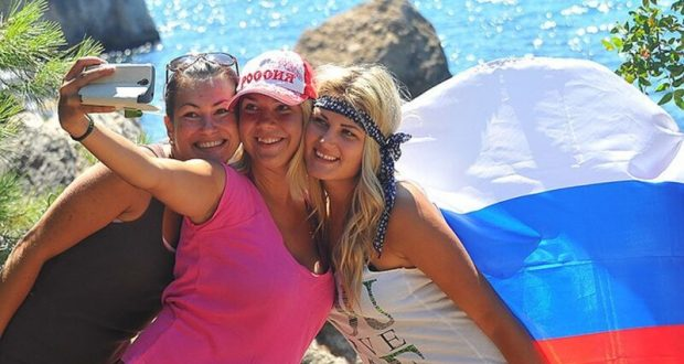 ВЦИОМ: более 90% россиян довольны своим летним отдыхом в Крыму