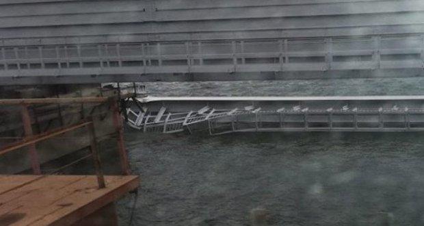 ЧП на Крымском мосту - упал один из пролётов