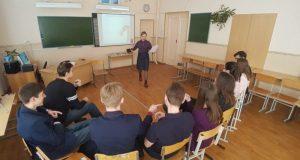 Еще один вывод из трагедии в Керчи: в учебные заведения страны хотят вернуть штатных психологов