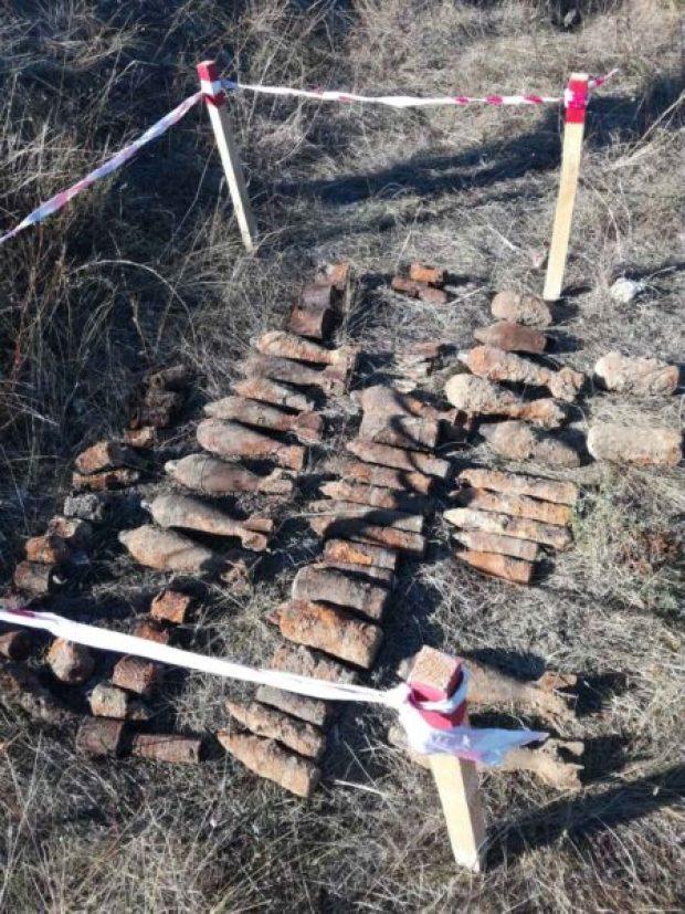 """Сапёры ОМОН """"Беркут"""" обезвредили боеприпасы сразу в нескольких районах Севастополя"""