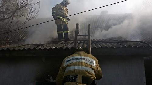 На пожаре в Нижнегорском районе Крыма погиб человек