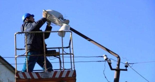 Внимание, водители! В Севастополе ремонтируют сети наружного освещения