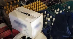 На одной из оптовых баз Симферополя полиция обнаружила 32 тысячи бутылок «паленой» водки