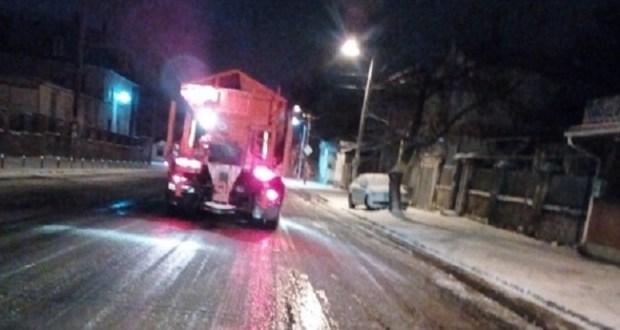 Погода пока проигрывает крымским дорожникам и коммунальным службам