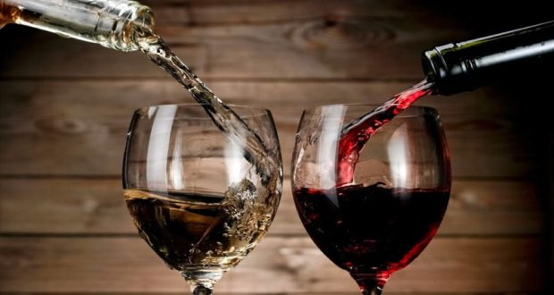 Новый год близко: эксперты Роскачества дали рекомендации по выбору вина