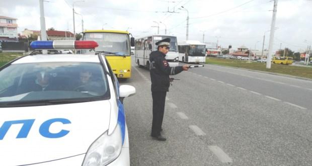 В Севастополе специалисты ГИБДД разбираются с водителями автобусов