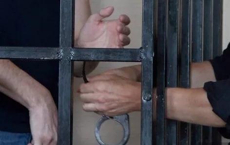 В Крыму вынесен приговор военнослужащим, забившим насмерть человека кувалдой