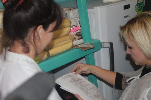 В Симферопольском районе - в школе и детсаду - нашли молочный фальсификат