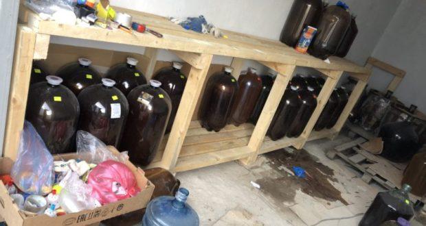 """Спирт, вода, жжёный сахар и вкусовые добавки - рецепт """"коньяка"""", который продавали в Севастополе"""