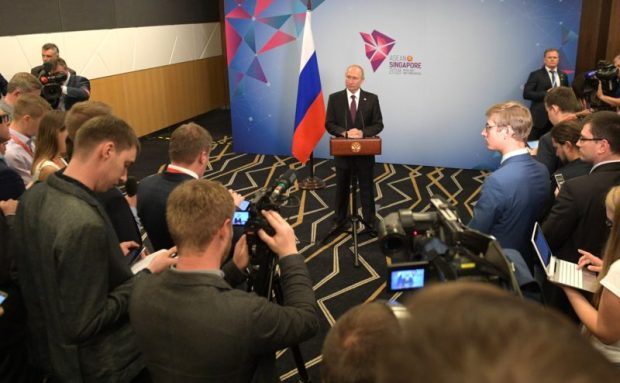 Владимир Путин подвел итоги поездки в Сингапур. Вспомнил и об Азовском море