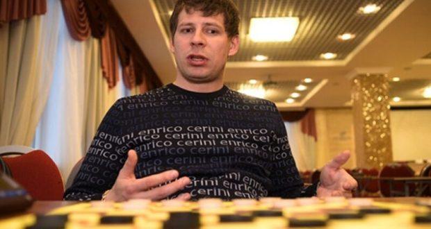 Сергей Белошеев из Евпатории - чемпион мира по шашкам-64