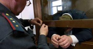 Бывший сотрудник прокуратуры Севастополя осужден за мошенничество