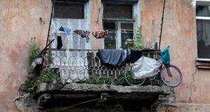 Власти Севастополя намерены выкупать у горожан квартиры в аварийных домах