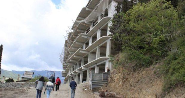 В Крыму решают, что делать с незаконно возведёнными на ЮБК многоэтажками