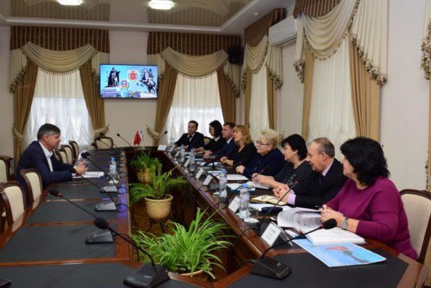 Симферополя и Санкт-Петербург: новые векторы сотрудничества