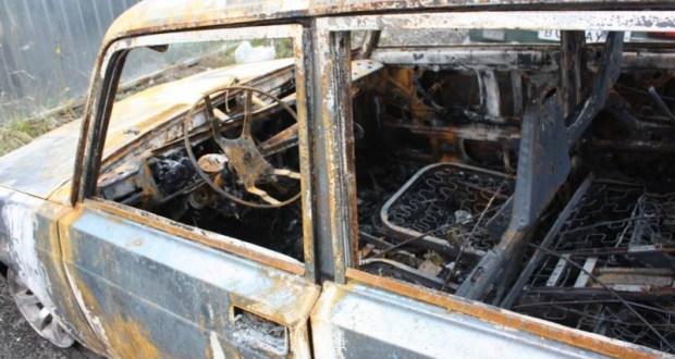 Двое крымчан «отличились»: угнали авто и подожгли