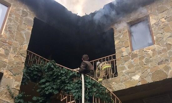 Пожар в крымском селе Малореченское. Замкнула проводка