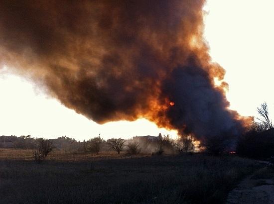 В крымском селе Табачное загорелся… табачный склад