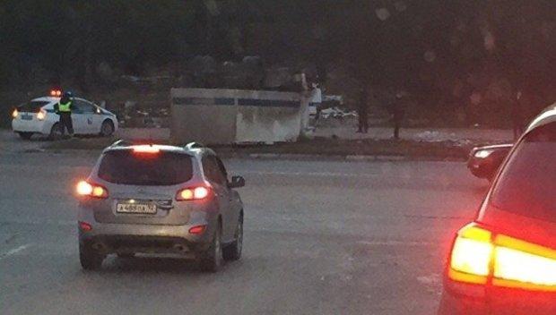 ДТП под Севастополем: полицейский КАМАЗ-«перевертыш»