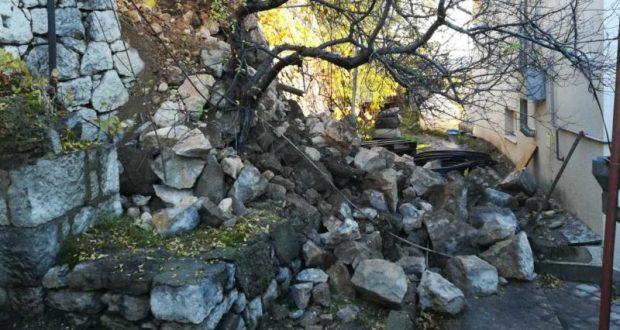 В Ялте напомнили об еще одной упавшей подпорной стене – в Кореизе