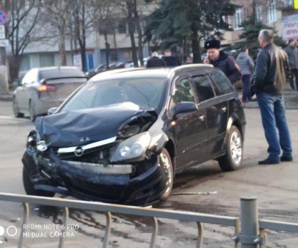 Фото: ВК, Автопартнер Крым, Вячеслав Ели