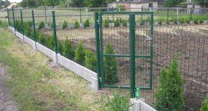 Дёшево и сердито: можно ли построить забор своими руками?