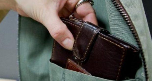 В Севастополе задержали карманницу - совершила две кражи в один день