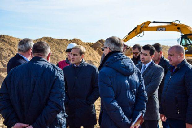 В Евпатории строят два новых пассажирских причала