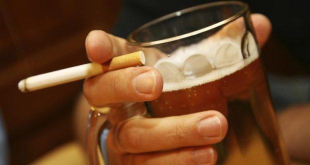 Среднестатистический севастополец в год выкуривает 2000 сигарет и выпивает 5 литров алкоголя