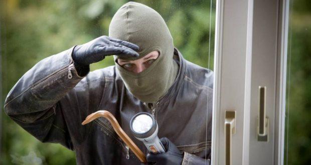 Десять краж - один подозреваемый. Сотрудники полиции Севастополя задержали домушника