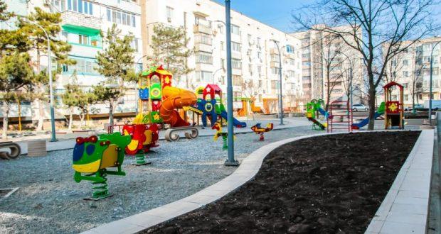 В городе Саки в 2018 году благоустроили общественные и дворовые территории на 25 млн. рублей