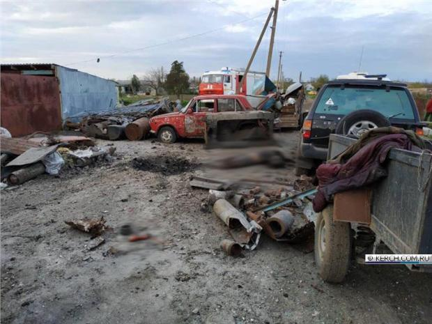 ЧП в Ленинском районе Крыма. При попытке распилить боеприпас погиб человек, еще двое ранены